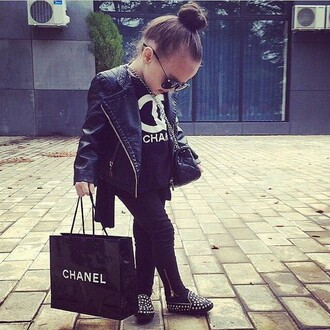 shoes chanel leather jacket chanel bag sunglasses all black everything shirt leggings jacket bum