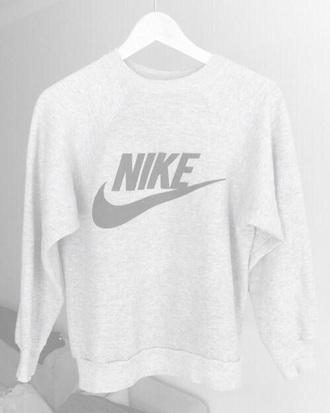 t-shirt nike supreme streetwear blvck vintage plain white black scvle street tumblr