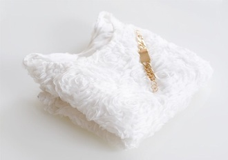 t-shirt sweater pullover winter roses classic classy white golden shiny cool beautiful great spring autumn