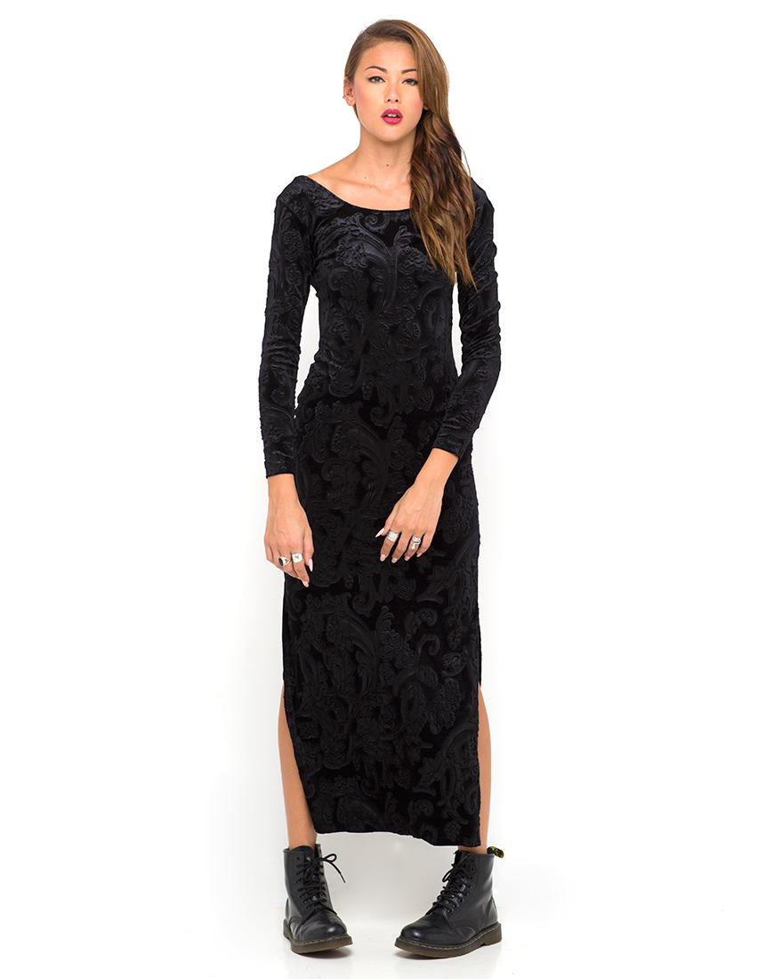Black dress velvet - Motel Cherry Maxi Dress In Black Stamped Velvet