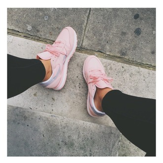 shoes reebok reebok classic pink shoes