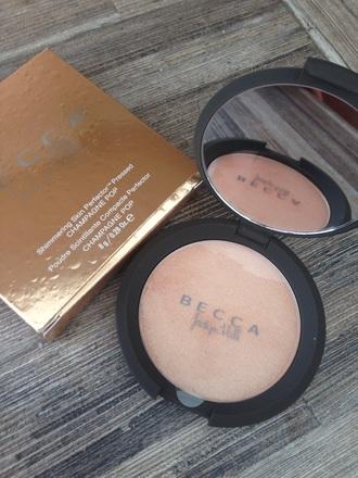 make-up jaclyn hill champagne pop highlight on fleek becca natural makeup look