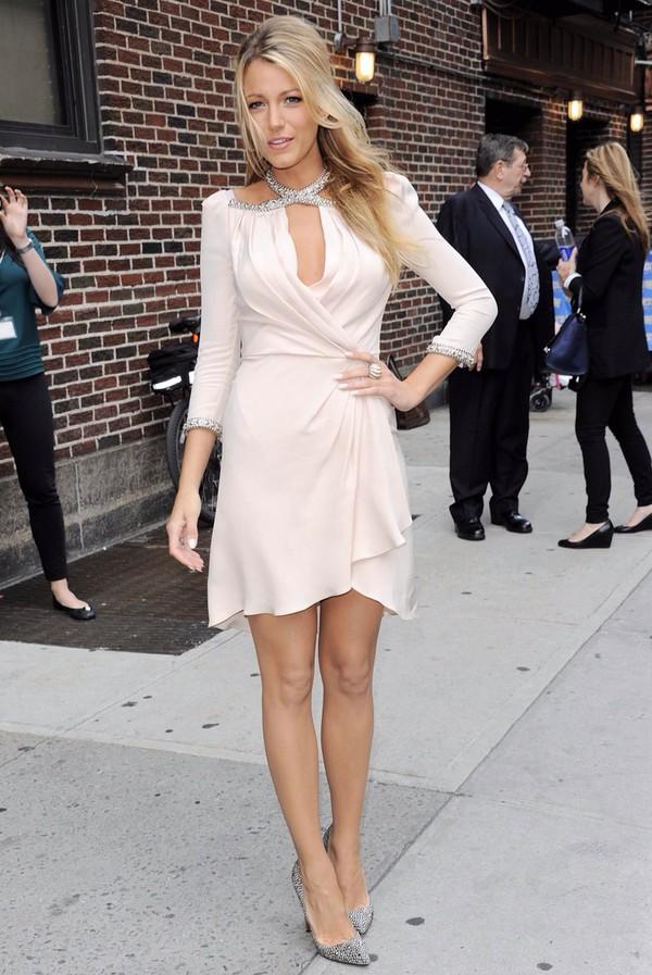 Dress Blake Lively Flowy Dress Summer Dress White Dress - Wheretoget