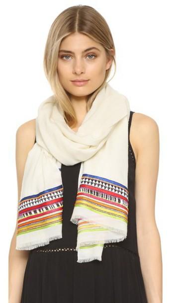 Janavi scarf