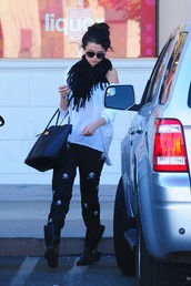 tank top,selena gomez,bag,scarf