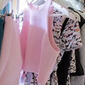 top,pink,light pink,crop,crop tops,sleeveless