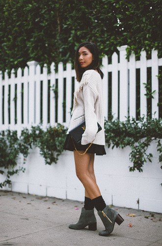 honey n silk blogger oversized sweater knitted sweater fall sweater mini skirt ankle boots white oversized sweater mini skirt and ankle boots white cable knit sweater cable knit black skirt black bag ysl ysl bag