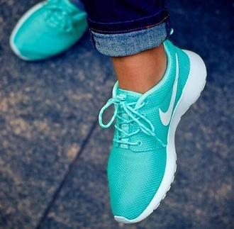 shoes nike airmaxthea tiffanyblue