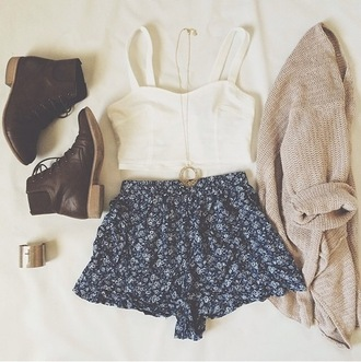 jewels vintage necklace summer outfits cardigan shorts ootd top crop tops combat boots boots blue
