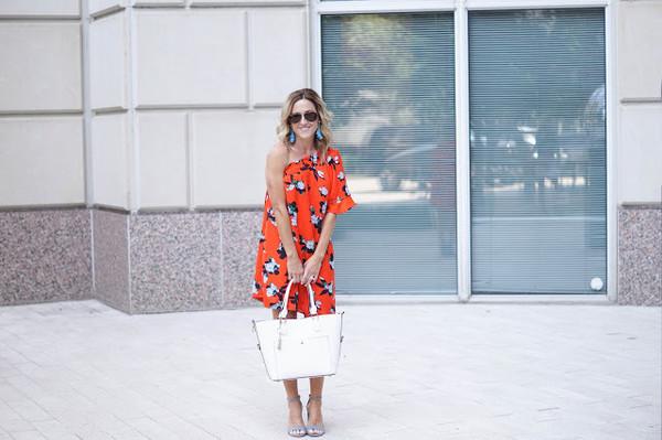 a4a2cc69e1c twopeasinablog blogger dress top shoes bag sunglasses.