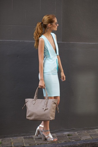 from brussels with love blogger dress bag jewels sunglasses