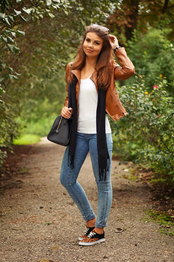 a piece of anna blogger jacket shoes bag jeans scarf