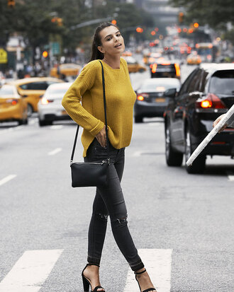 sweater pants emily ratajkowski fall outfits fall sweater sandals model jeans shoes streetstyle