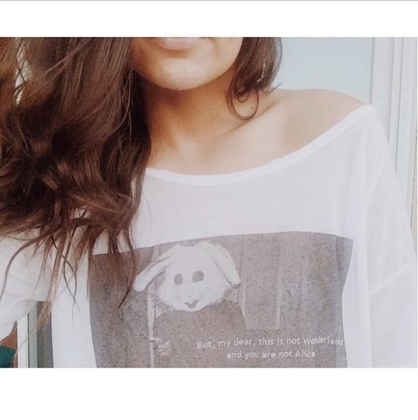 t-shirt alice in wonderland bethany mota bunny