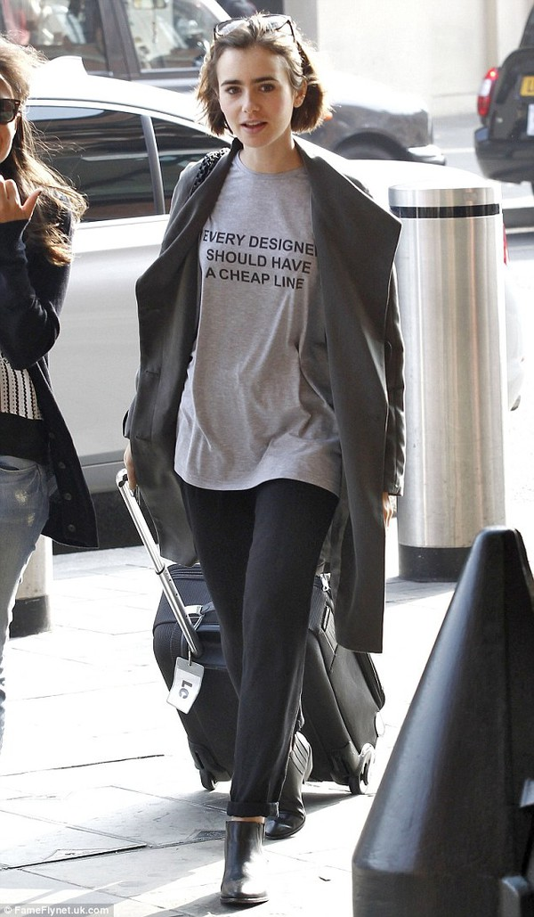 t-shirt lily collins