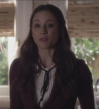 pretty little liars spencer hastings troian bellisario black blouse blazer