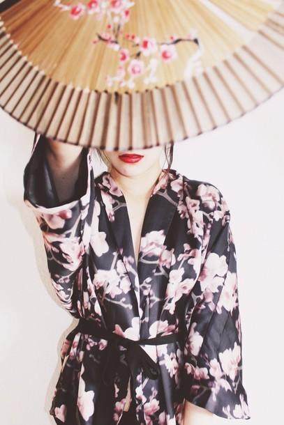 dress kimono floral kimono kimono pink pastel dresses fashion h&m geisha cute style summer summer outfits elegant watch instyle hipster trendy white top floral sexy asian fashion asian asian stylenanda stylenandafashion teen blogger germany blogger instagram instagram tumblr tumblr clothes vintage ootd instagram famous white crop tops tube top tube t summer dress pink floral kimono fashion blogger asos topshot pyrex rachelteetyler