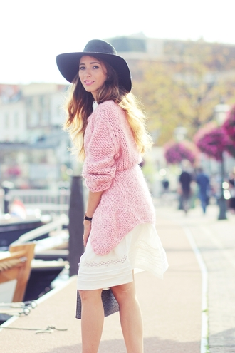 pink blogger bag knitted cardigan preppy fashionist white dress