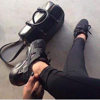 shoes sport shoes sneakers black black shoes leggings