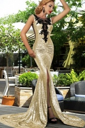 dress,gold,mermaid,split front,wots-hot-right-now,prom dress,prom gown,gold sequins,split front dress,mermaid prom dress,sequins,long prom dress,formal party dresses,lace in front,homecoming dress,long homecoming dress,train,sexy prom dress,bling dress,wow,wow factor