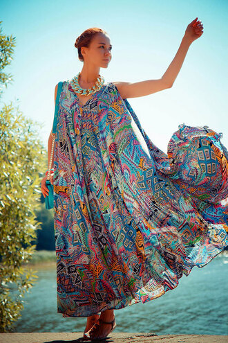 dress summer maxi dress chiffon pattern spring beach holidays girl blogger fashionista flowy colorful stylemoi pretty feminine