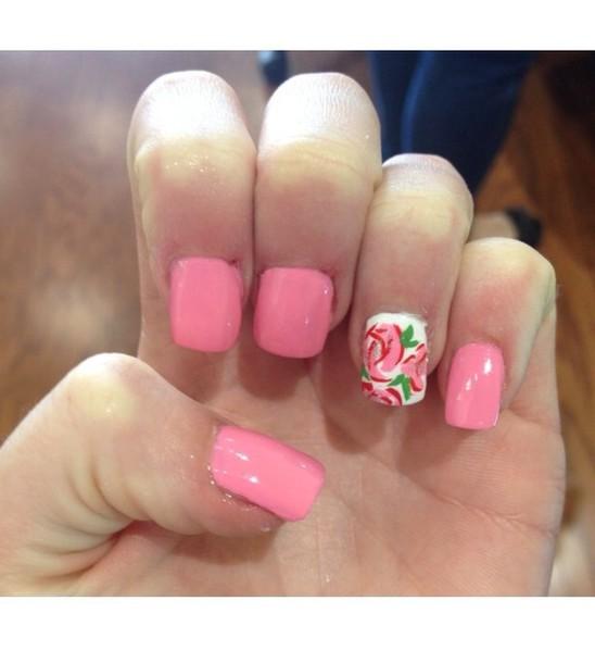 nail polish essie my hand