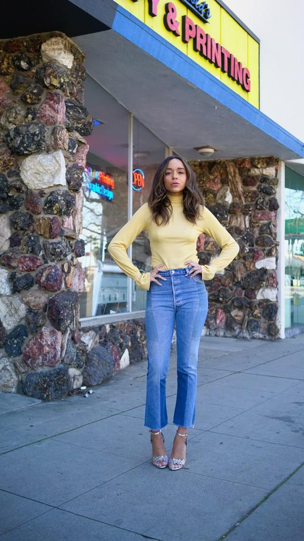 jeans sandals blogger ashley madekwe top turtleneck spring outfits sandal heels shoes blouse