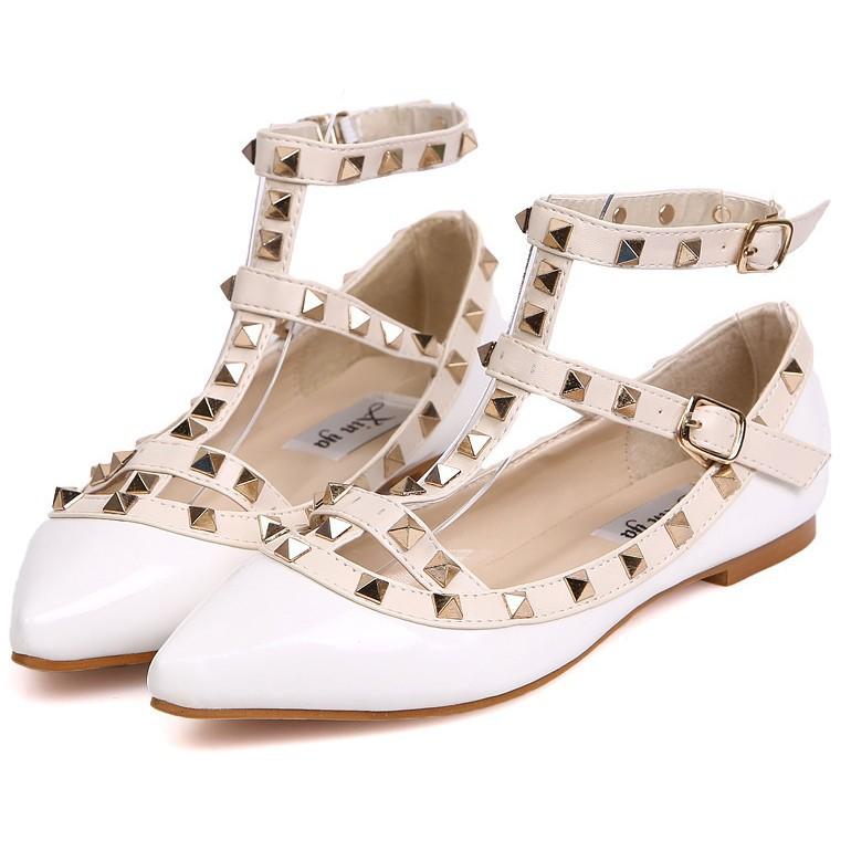 nueva marca 2014 pisos para las mujeres de moda remache dedo del pie puntiagudo de retazos de gladiador de en  de  en Aliexpress.com