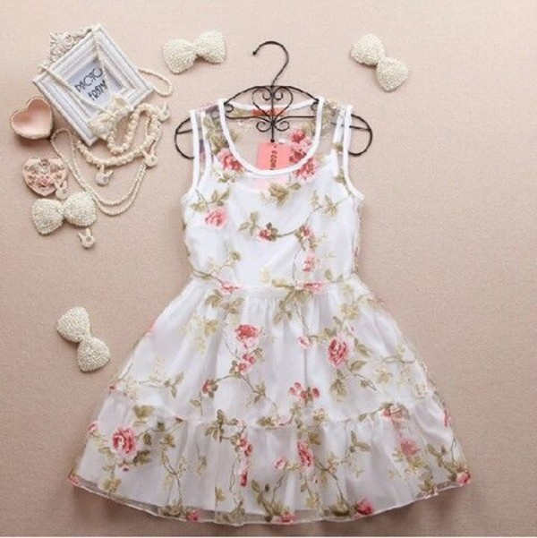 dress vintage girly girl teenagers retro pastel floral flowers flowers ruffle jewels white dress bows pearl prom floral dress floral dress with flowers floral dress white flowers pastel