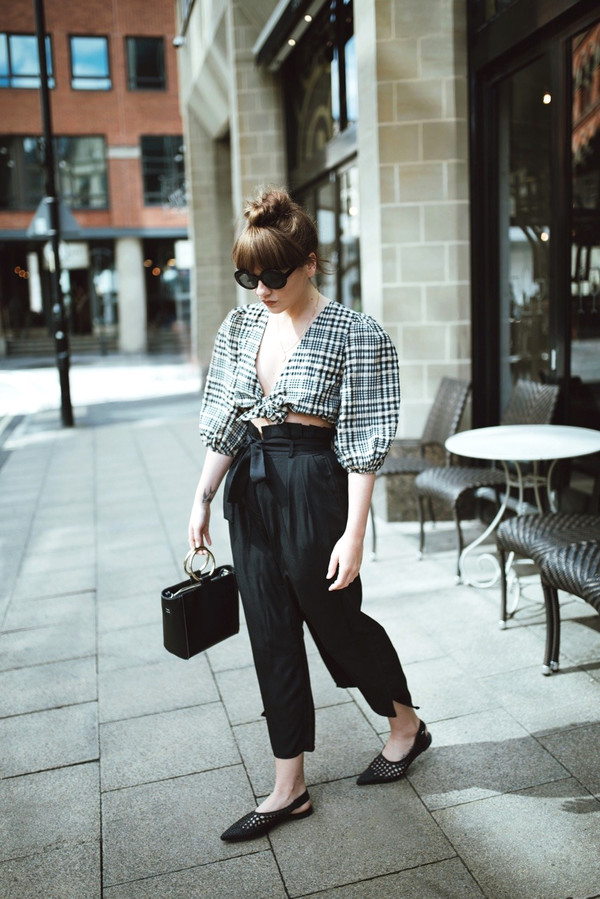 top black pants tumblr crop tops puffed sleeves tartan plaid pants cropped pants shoes slingbacks flats bag boxed bag sunglasses