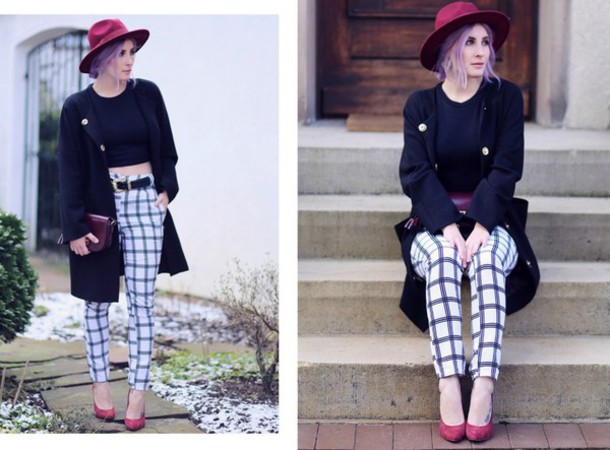 like a riot blogger belt black crop top checkered high waisted pants fedora checkered pants
