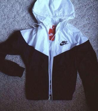 jacket coat white black t-shirt nike running shoes