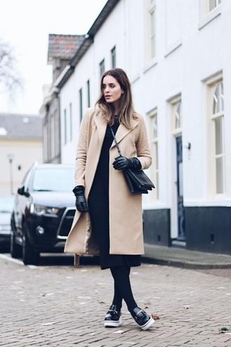 moderosa blogger coat camel coat winter coat black bag winter outfits dress bag