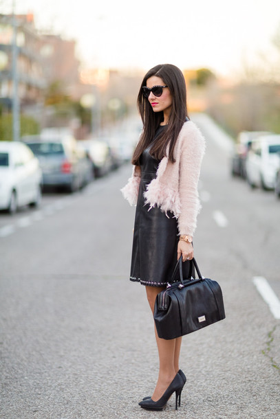 crimenes de la moda blogger dress jacket sunglasses jewels shoes bag