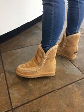 shoes,mou