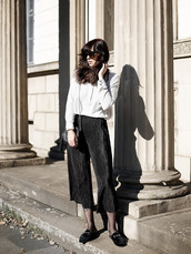 pants,tumblr,black pants,pale,palazzo pants,culottes,black culottes,tights,loafers,black shoes,shoes,flats,bag,black bag,shirt,white shirt,black and white,sunglasses,fall outfits,black loafers,thanksgiving outfit