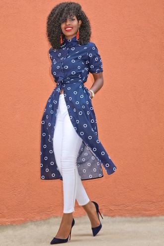 blogger dress shoes white pants white jeans button up t-shirt dress statement earrings skinny jeans black girls killin it stilettos blue heels