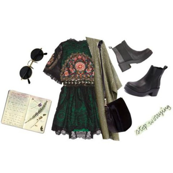 dress fall outfits vintage dark green pattern grunge forest green chelsea boots