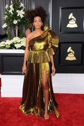 dress,gold,gown,one shoulder,asymmetrical dress,pleated,metallic,grammys 2017,solange knowles
