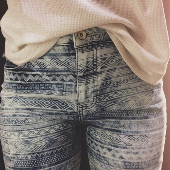 jeans aztec skinny jeans blue white pretty little liars black gold vintage fashion tumblr tumblr girl girly elegant one direction skinny pants style weheartit trouser muster sweater denim blue skinny jeans light blue pants pants, skinny jeans, aztec blue white jeans, high waisted tribal pattern cute patten skinny
