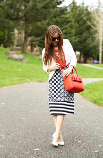 dress corilynn blogger red bag pattern midi skirt skirt top jacket bag jewels shoes sunglasses