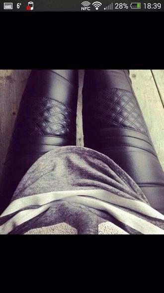 pants leggings black leather leather leggings black leather pants leather leggings black jeans leather jeans black jeans t-shirt leather pants skinnypants fashion trendy tights black leather leggings blouse