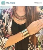 cardigan,gold,necklace,kimono,jewels,top,tank top,black top,black tank top,flowered kimono,flowers kimono,jacket,gold necklace,gold bracelet,jonc,boho chic,boho jewelry,hippie,jewelry,boho,bohemian,bracelets,cuff bracelet