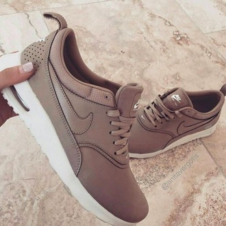 shoes nike nike shoes air max brown beige