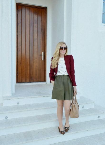 fash boulevard blogger skirt burgundy blazer khaki jacket blouse jewels bag