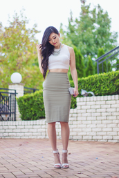 metallic paws,blogger,skirt,top,jewels,bag,shoes