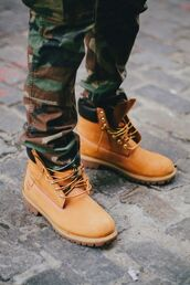shoes,boots,brown,leather,camouflage,pants,mens shoes,timberlands,timberland boots,jeans,militaire,like,cool. hott,soldier print,soldier,soldier style,soldier of love,green,answer,camo pants