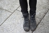 shoes,boots,lace up,grey,grey boots,grey shoes,cute