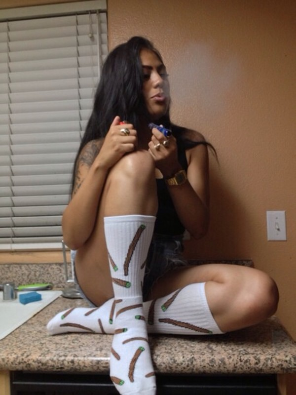 shoes weed socks