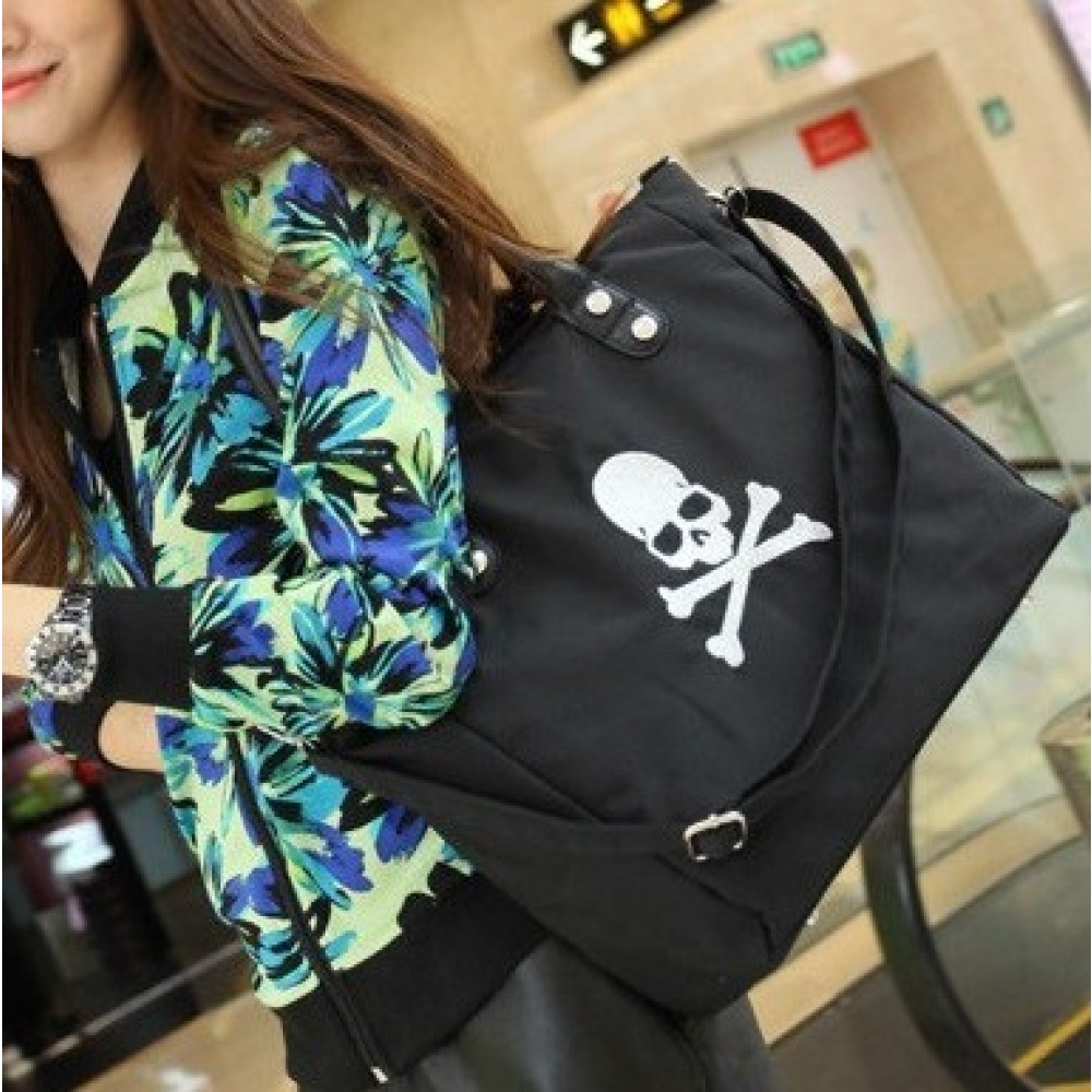 Cool skull design on black tote